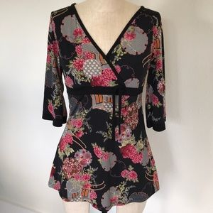 Pretty Lola Floral Top Size Large